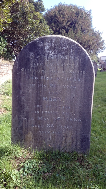 PHOTO - Old tombstone, Silsoe Churchyard